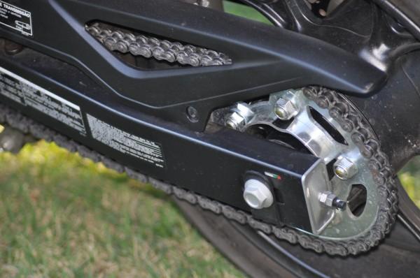 A nova balança aliada a nova regulagem de suspensão a transformaram em outra moto.
