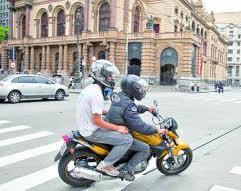 Mortalidade com motos supera a de carros pela 1ª vez, diz ministério