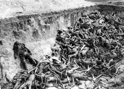Imagem do massacre de inocentes no Caldeirão de Santa Cruz do Deserto do beato Zé Lourenço.