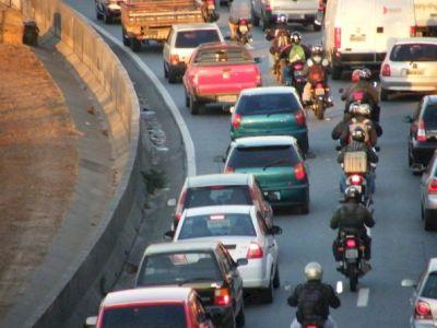 São Paulo: Motociclistas reivindicam mais segurança contra roubos.