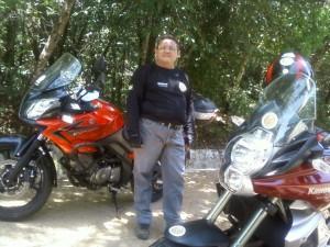 Ricardo Quideré, meu companheiro de viagens e um grande conhecedor das histórias da região será meu guia nesta saga de contar o aberto e o escondido do sertão central do Ceará.