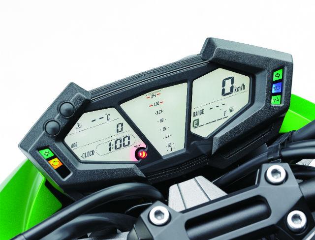 Kawasaki do Brasil lança a Z800 e ensina a concorrência como se faz pra conquistar o brasileiro.