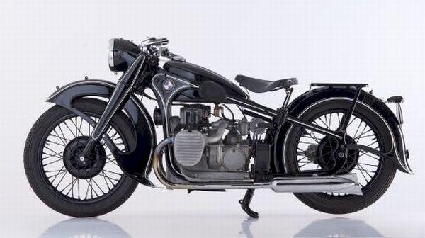 BMW Motorrad completa 90 anos fabricando sonhos.