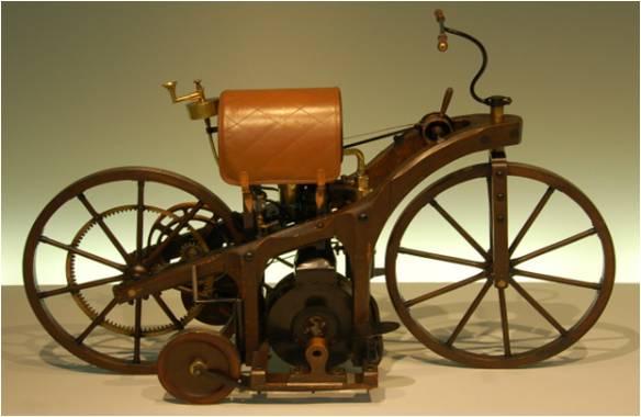 A primeira motocicleta! Daimler Reitwagen