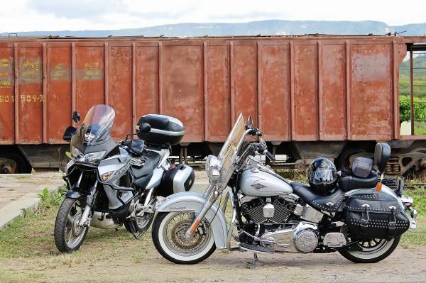 Uma custom e uma bigtrail. Não importa a moto. Todos podem fazer o ROTA CE.