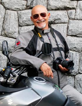 Luiz Almeida: Motociclista, fotógrafo e escritor.