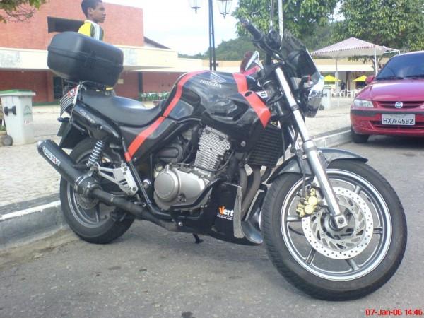 A minha CB500. Uma moto que deixou saudades.