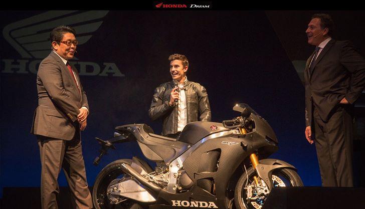 Honda apresenta protótipo da RC 213V-S de rua no Salão de Milão